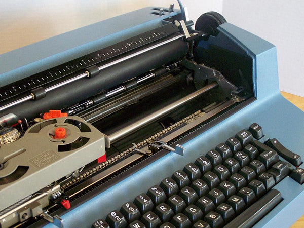 *Refurbished IBM Selectric II Typewriter with Warranty in Classic Blue