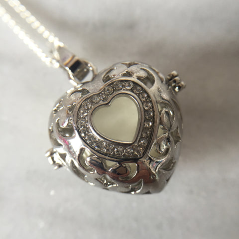 24 mm x 24 mm Design K - Large Locket:  Single Inclusion (PSP) - Mom's Own Milk