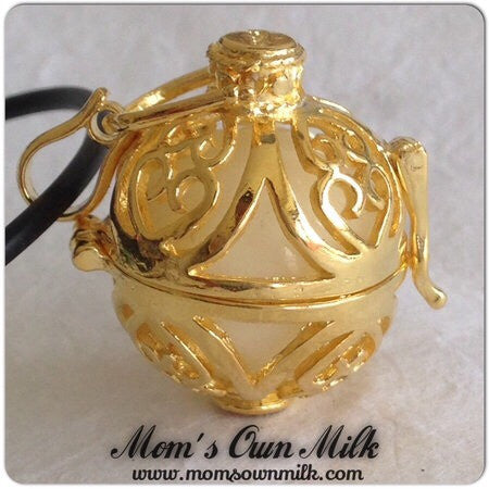 41 mm x 21 mm Design B - Large Locket Single Inclusion (PGP) - Mom's Own Milk
