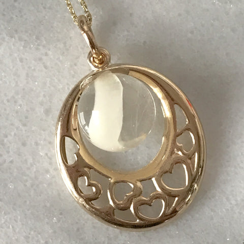 9ct Gold Oval Pendant with Filigree Heart (P9G)