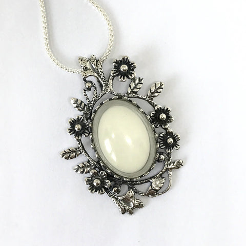 Oval Flower and Leaf Pendant (PSS)