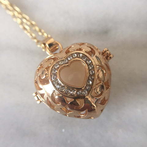 24 mm x 24 mm Design L - Large Locket: Single Inclusion (PGP) - Mom's Own Milk