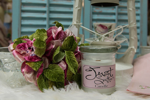 Candle in a jar, crafted from scratch with a s southern fresh scent