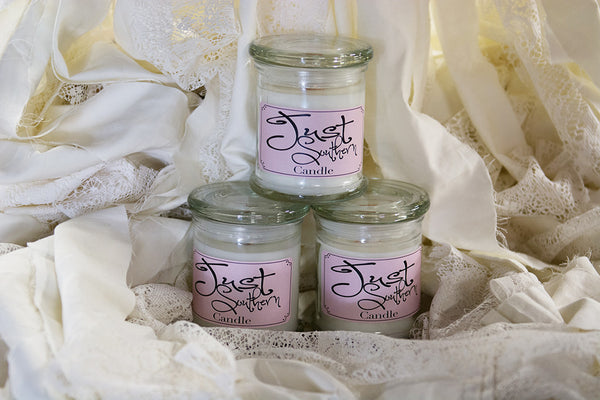 Candle in a jar and wooden wick, crafted from scratch with a southern satin scent