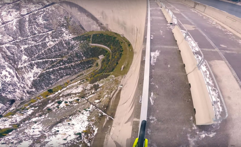 Daredevil cyclist faces danger at 200ft