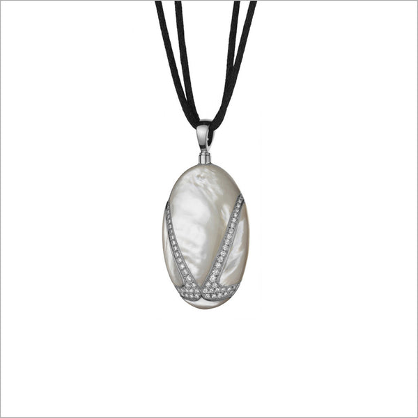 Favola 18K White Gold Necklace with Mother of Pearl and Diamonds