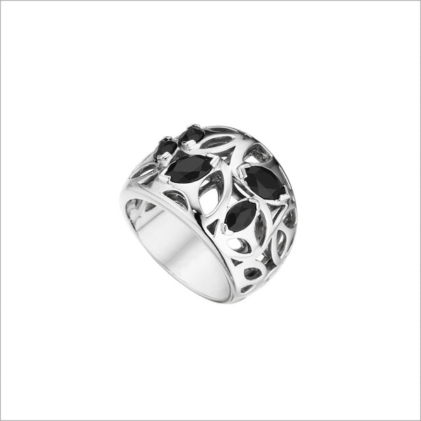 Medallion Black Onyx Small Ring in Sterling Silver