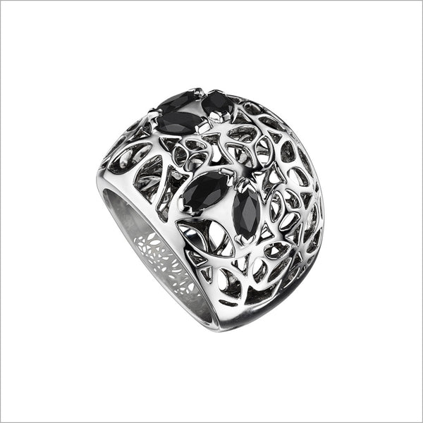 Medallion Black Onyx Large Ring in Sterling Silver