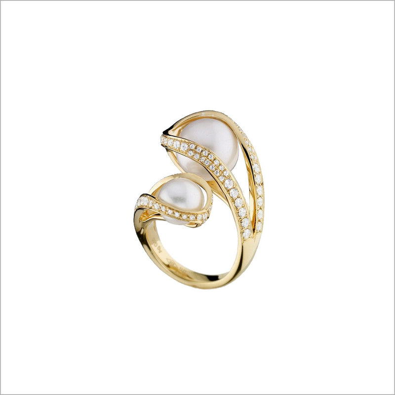 Triadra 18K Yellow Gold & Pearl Ring with Diamonds