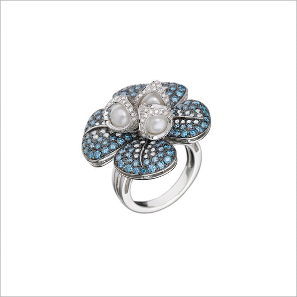 Triadra 18K White Gold & Blue Sapphire Flower Ring