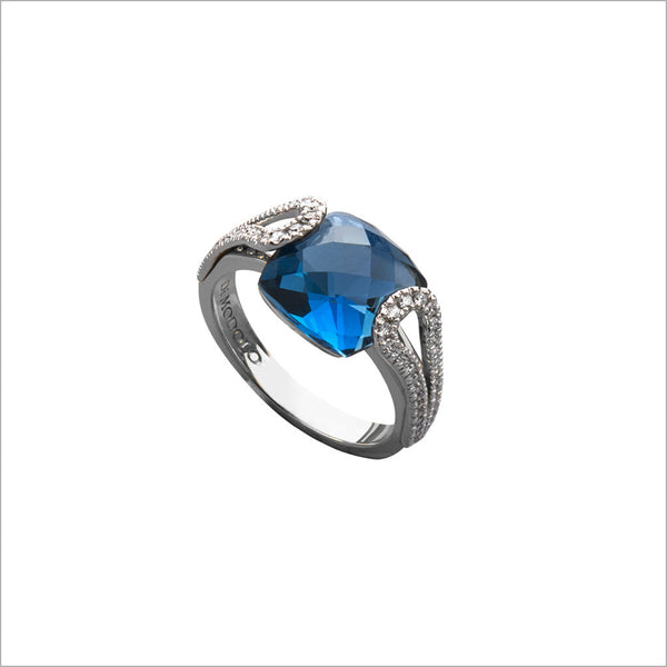 Fiamma 18K Gold & London Blue Topaz Ring with Diamonds