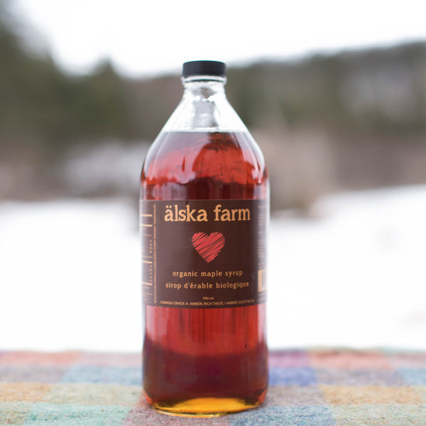 Amber organic maple syrup