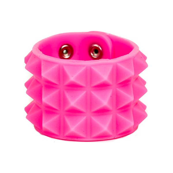GLOWING STUDDED CUFF
