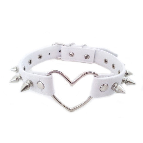 WHITE STUDDED HEART CHOKER