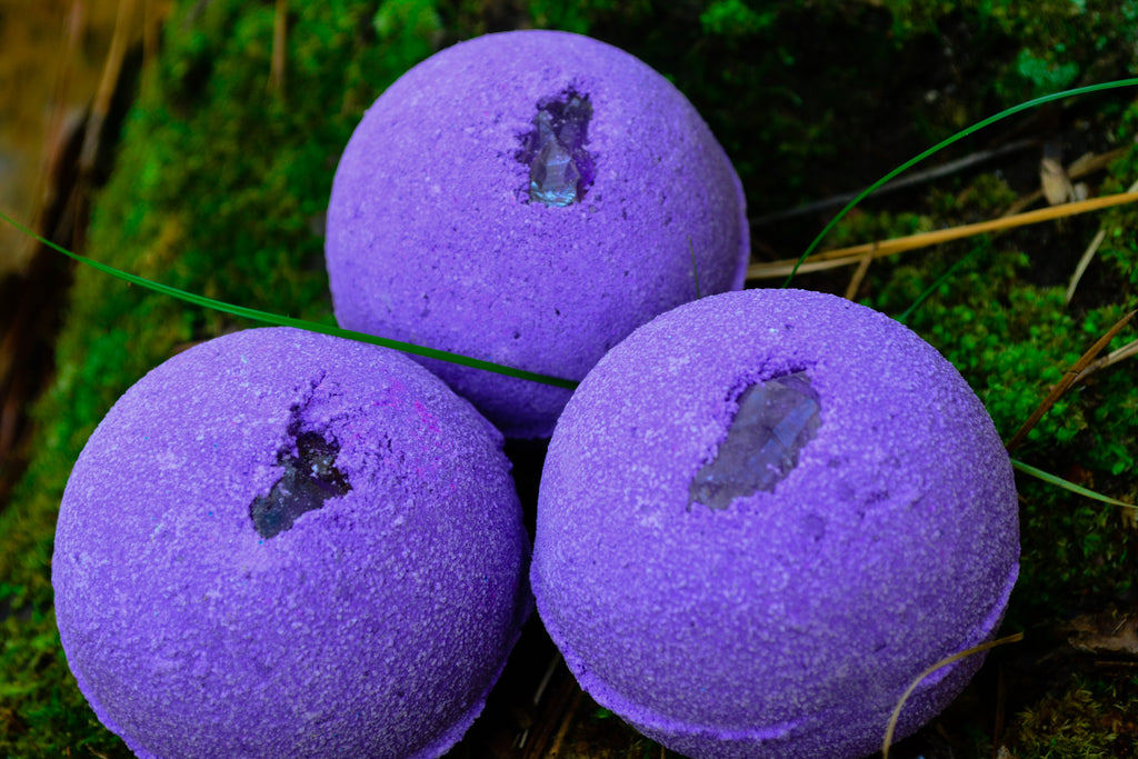 Amethyst Bath Bomb~To Bathe in the Magick of Amethyst - Wild Witchery