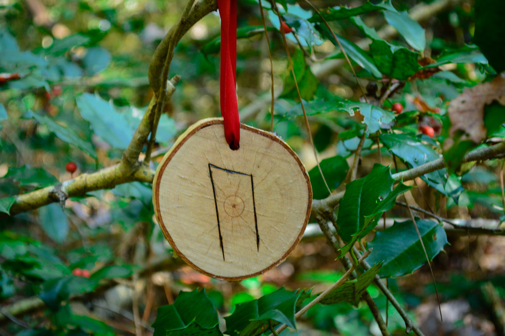 Rune Ornaments~To Decorate your Yule Tree with Rune Magick - Wild Witchery