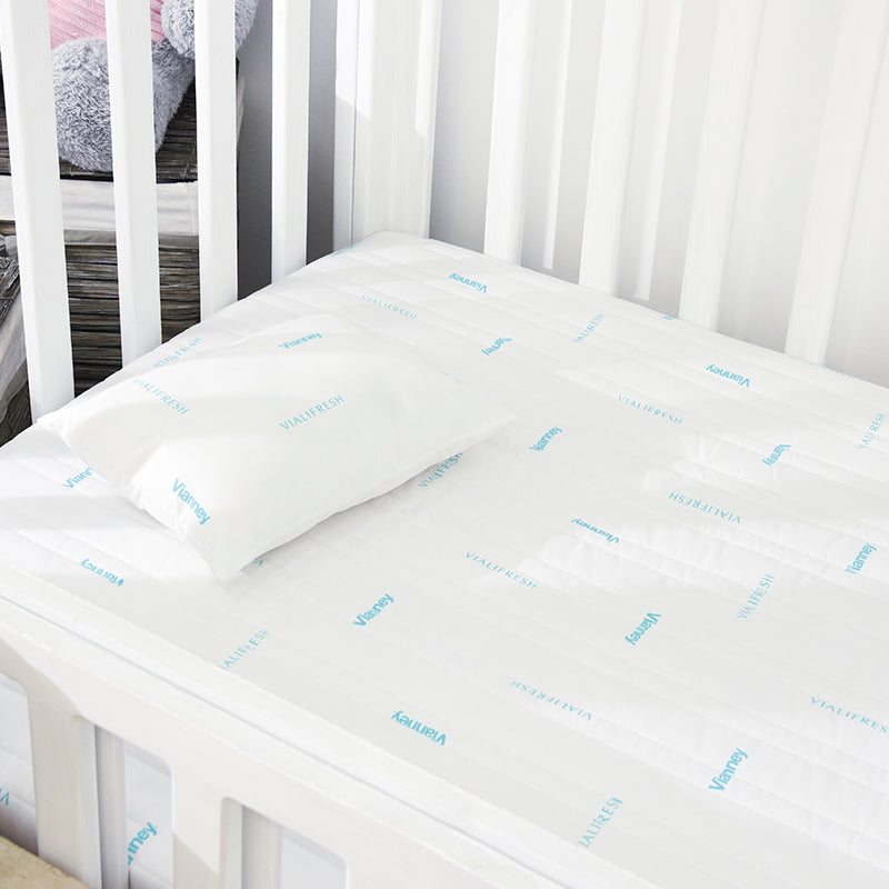 Vialifresh Crib Mattress Protector
