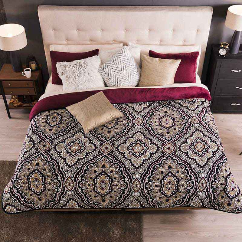 Winter Bed Cover Damask