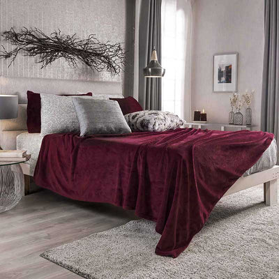 Light Bed Cover Red Wine