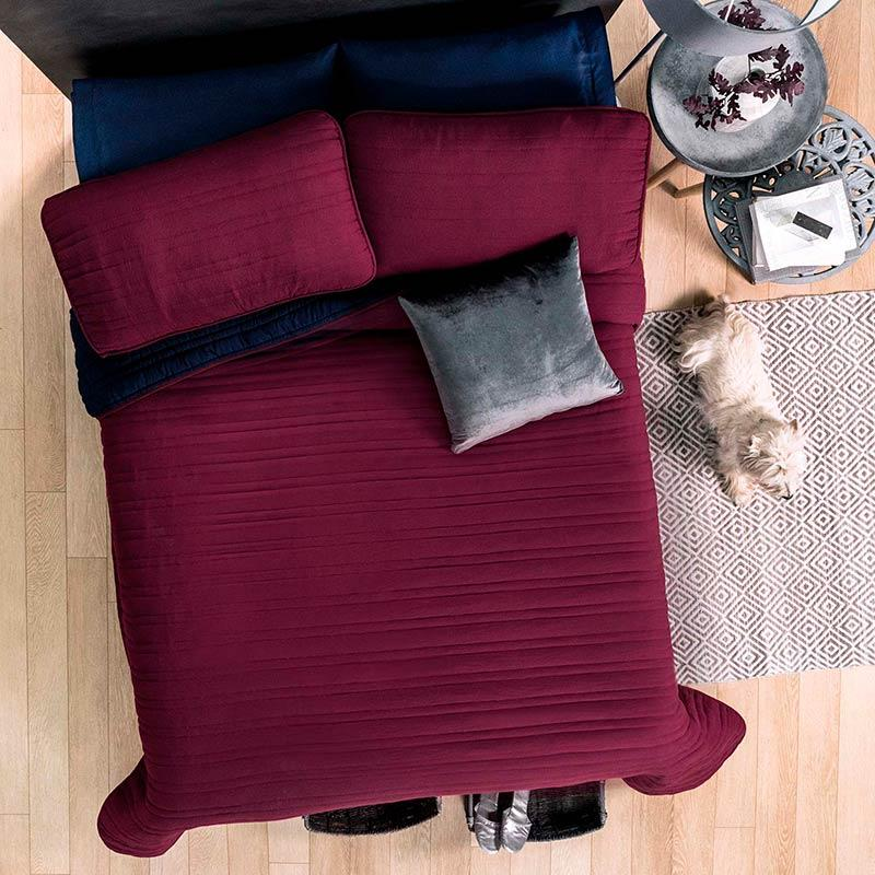 "Red Comforter ""Wine"" Guarantee*"
