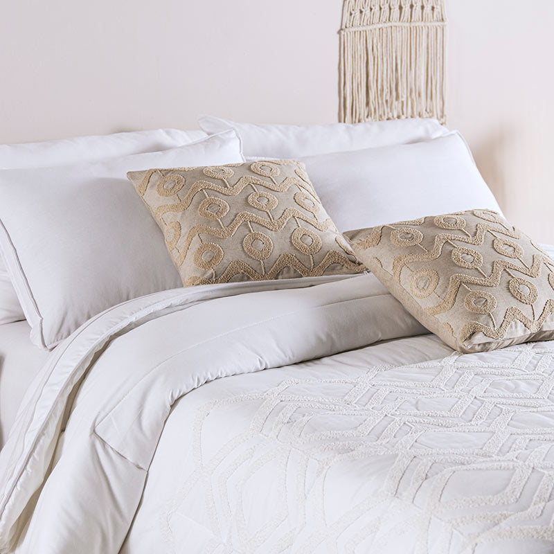 Iztac Embroidered Comforter Set