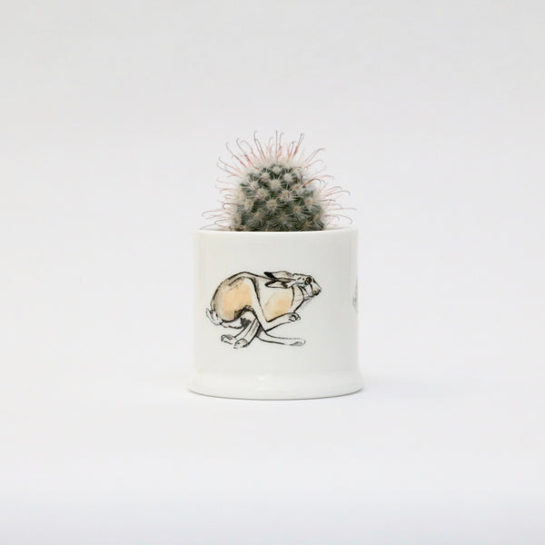 Running hare candle pot