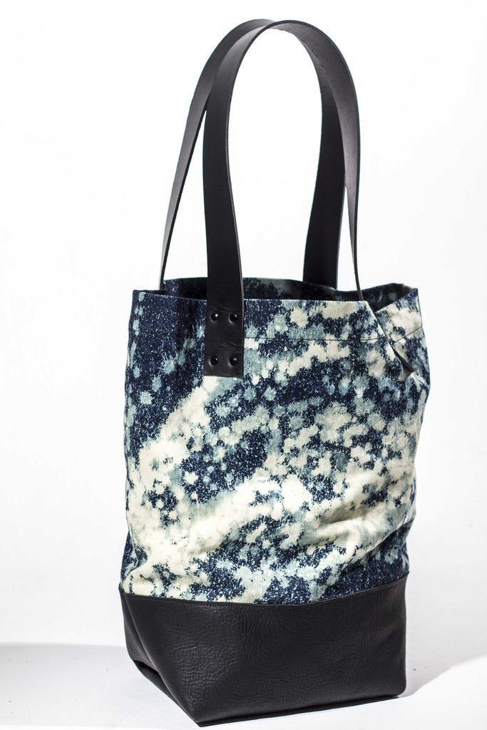 mascara crush tote