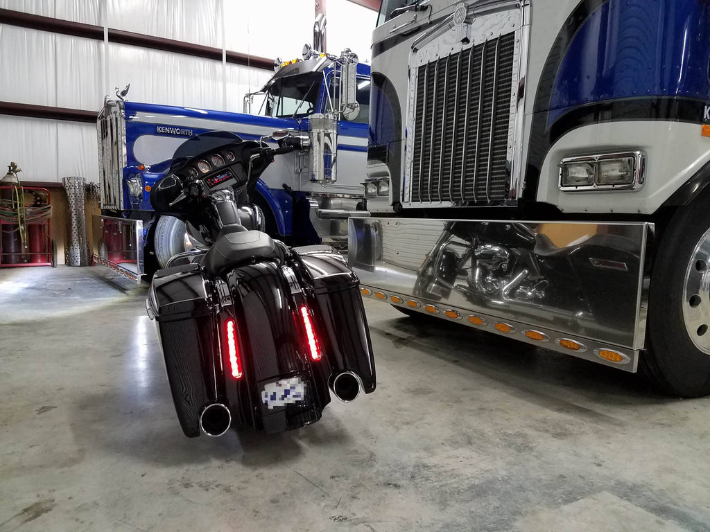 X T also Is X together with Jetstream Led Wake Light Big Php furthermore Il Rolling T also Cvo Fender X. on motorcycle license plate frames with lights