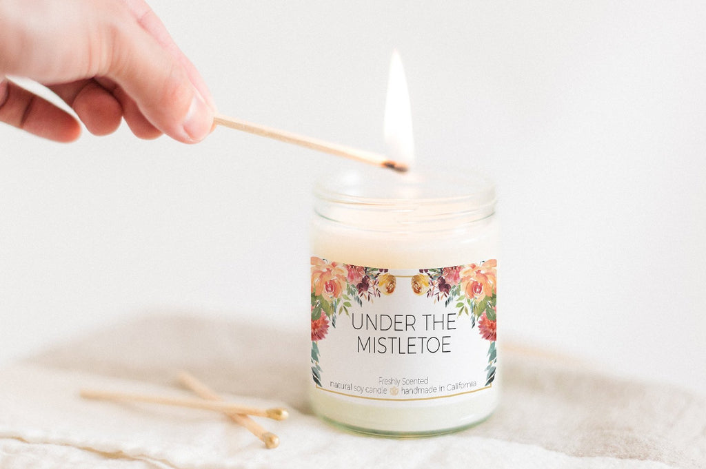 Under the Mistletoe 7 oz Candle (Limited Edition)