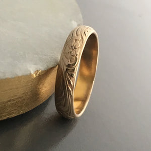 gold wedding band traditional old-fashioned