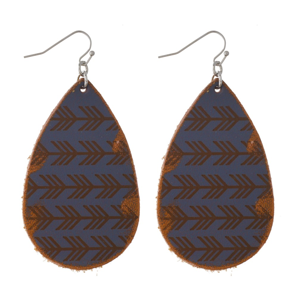 Gray Leather Earrings with Arrow Print
