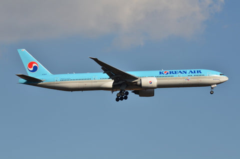 1/400 Korean Air B777-300ER HL8010