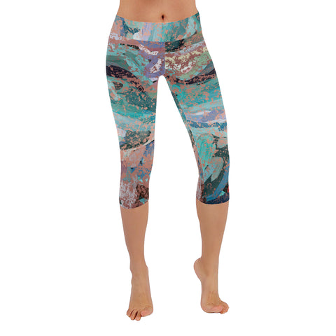 Abstract Painting Design with Rose Gold Flakes Low Rise Capri Leggings