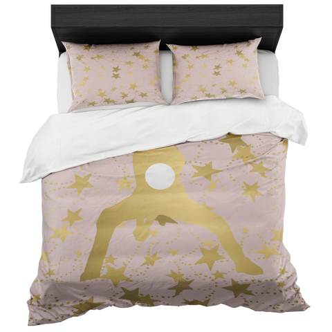 Female Volleyball Player Silhouette in Gold with Stars on Pale Pink Duvet Bed-in-a-Bag Set with 2 Pillow Shams