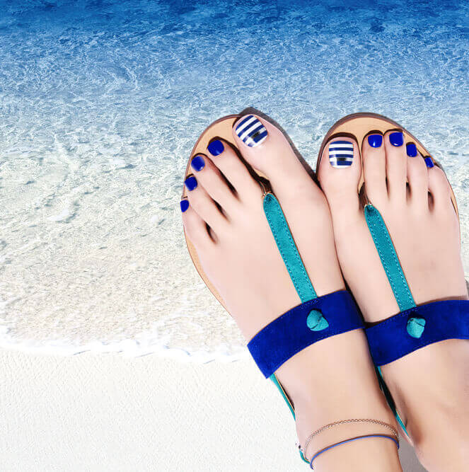 MAGIC PRESS GEL PEDICURE NAILS: MARINE STRIPES