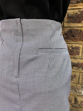 Load image into Gallery viewer, Relco Ladies Houndstooth Skirt