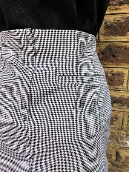 Relco Ladies Houndstooth Skirt