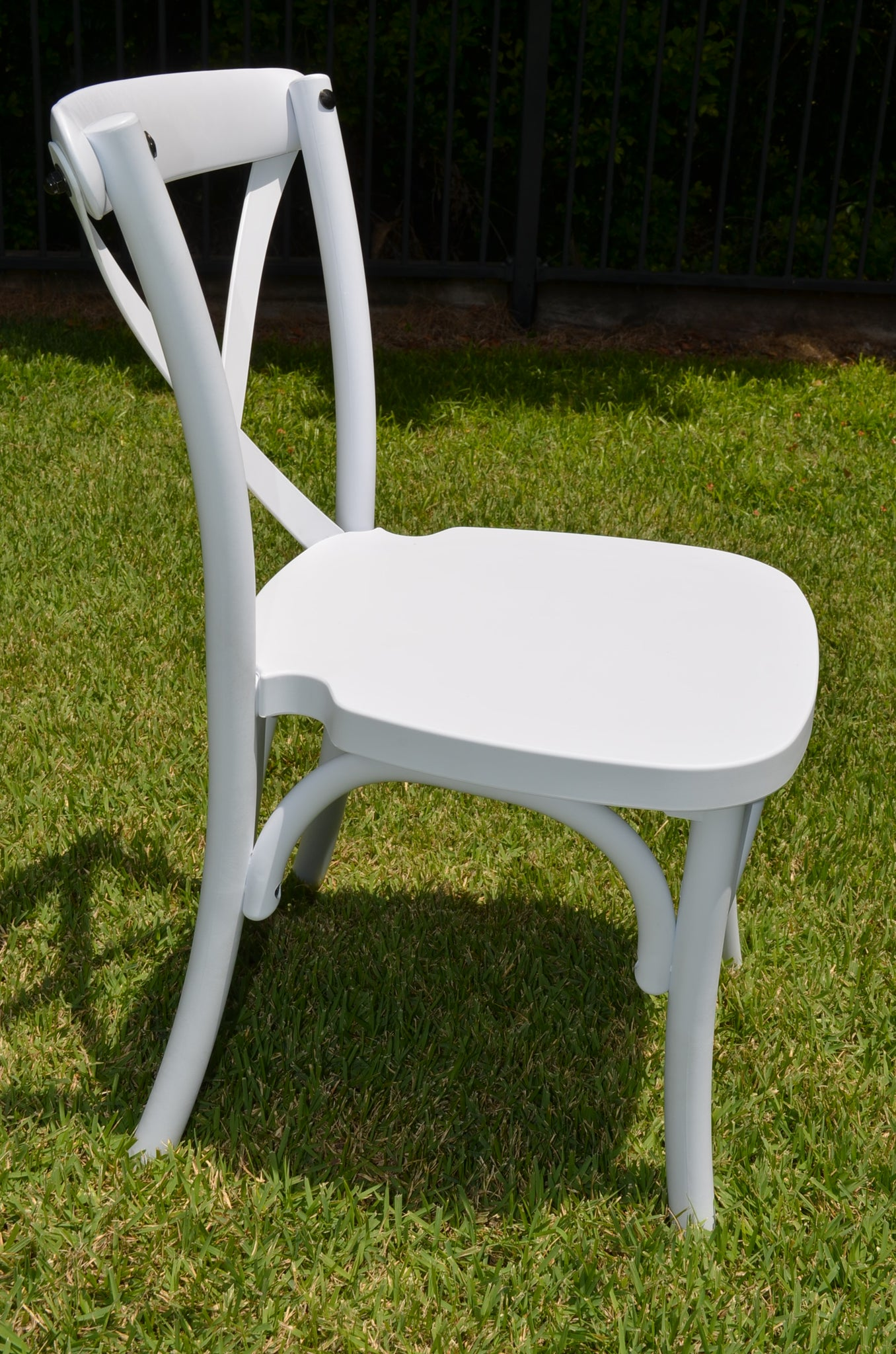 Kids resin crossback chair white