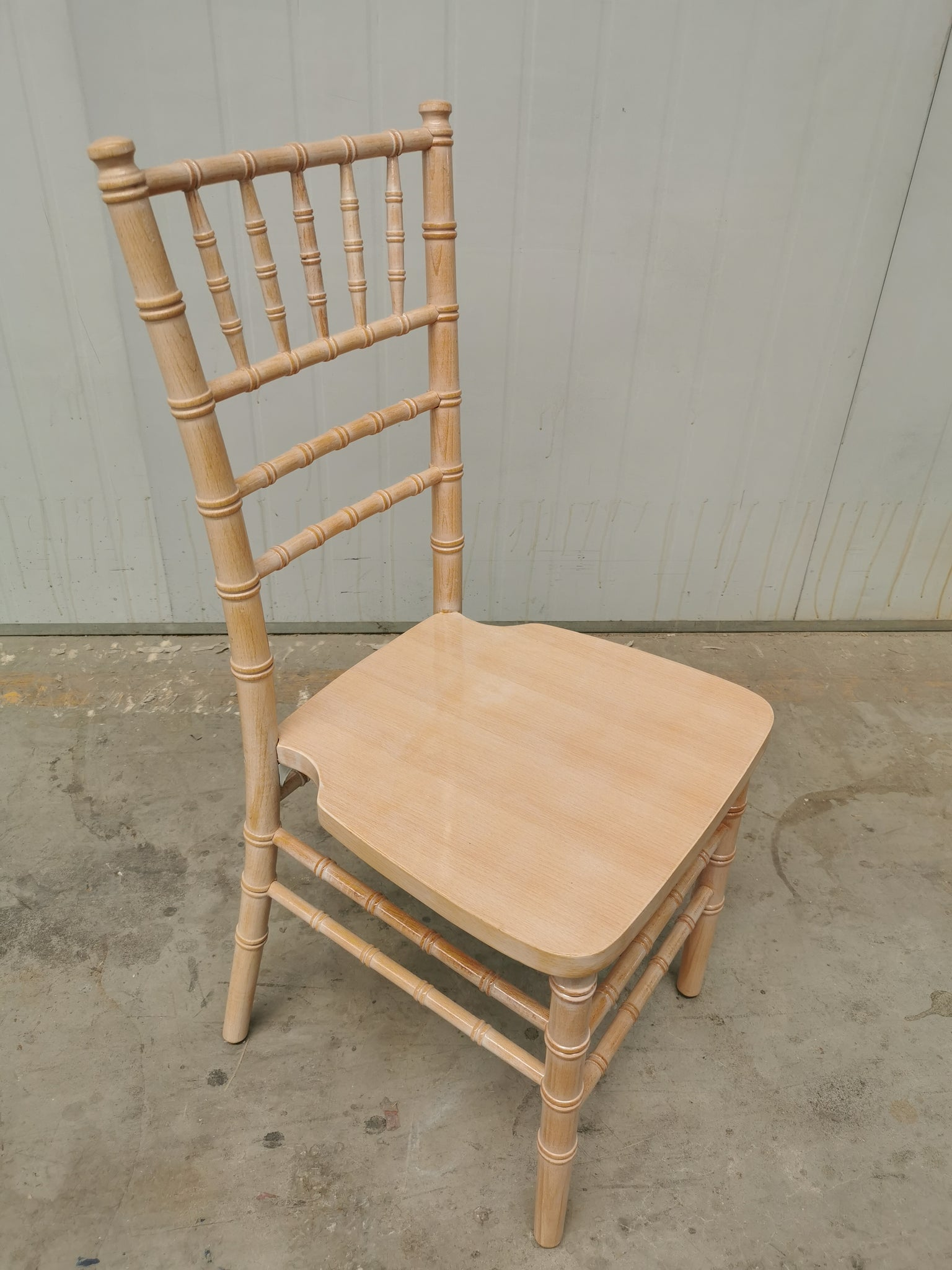 lime wash Tiffany Chiarvari chairs