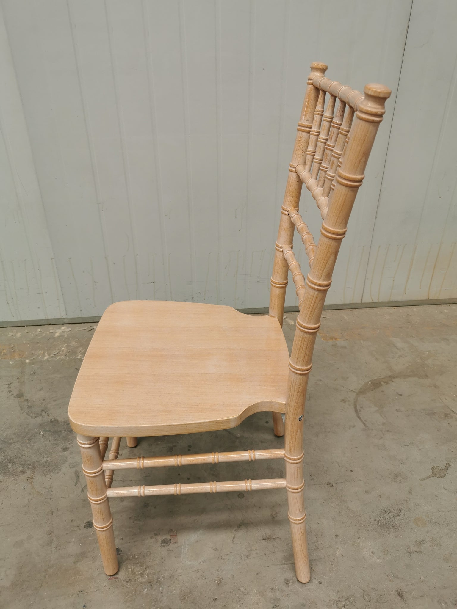 limewash Tiffany Chiarvari chair