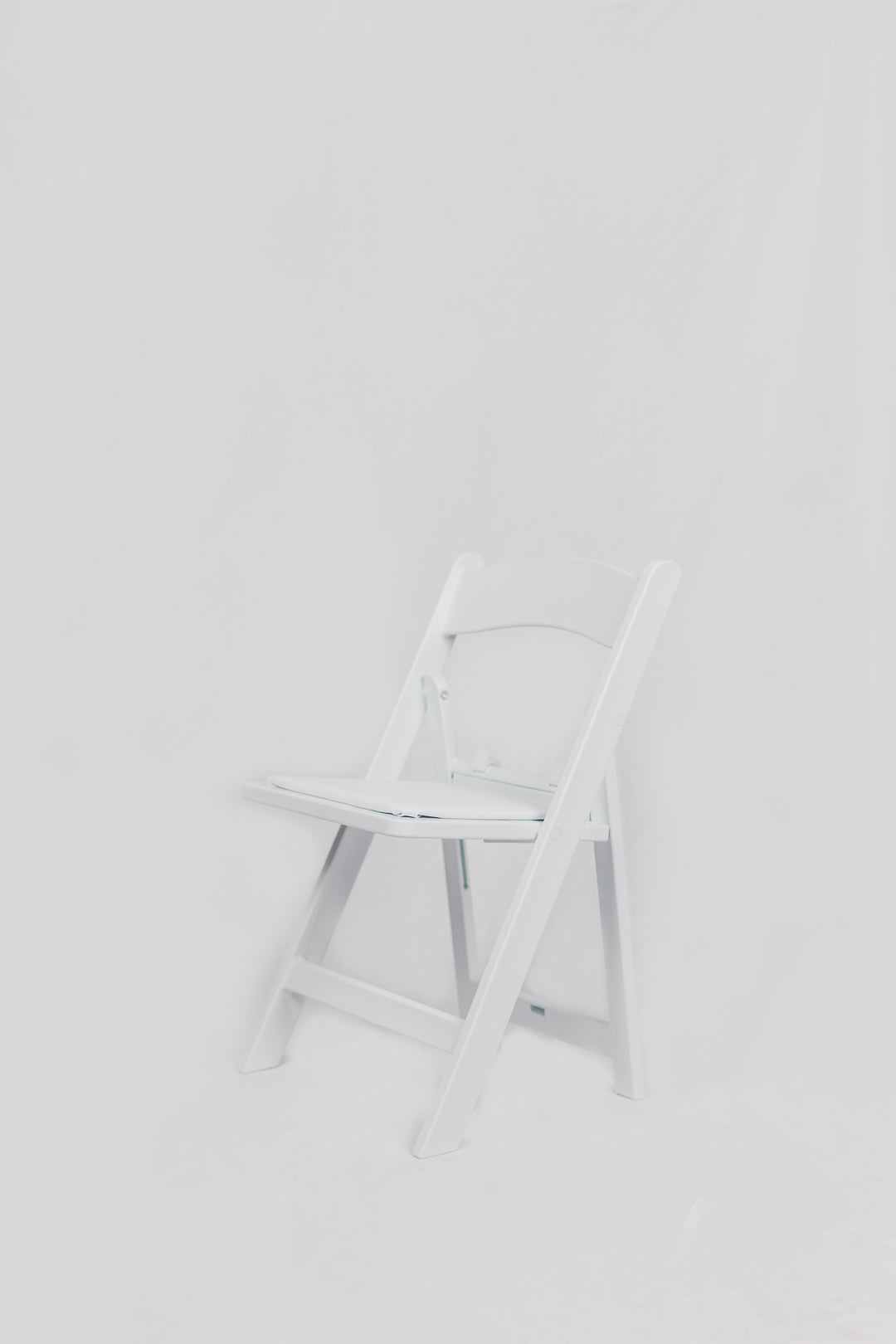 KIDS Americana Chairs - White 5 chairs @$25 each =$125