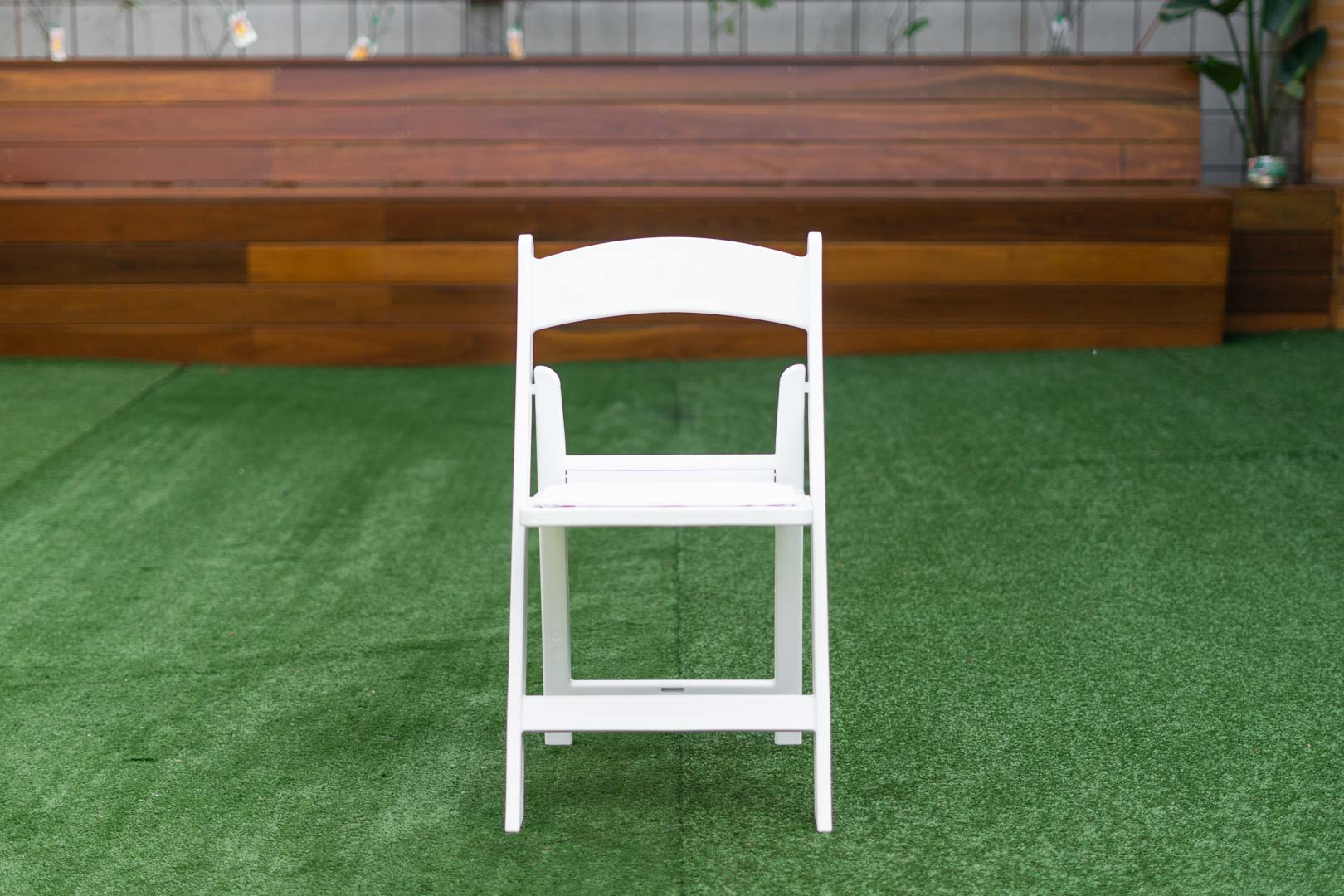 white americana chair