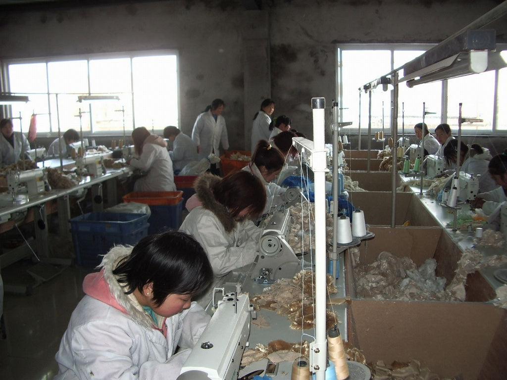 Factory workers make ethical Merino wool clothing