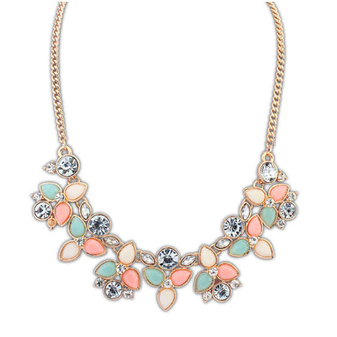 Crystal Collier Vintage Design Statement Necklace