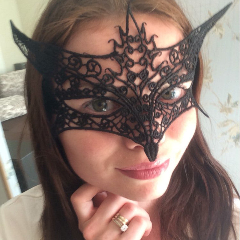 High Quality 1PC Sexy Black Cutout Lace Mask Halloween Masquerade Sexy Lady Fox Mask Free Shipping