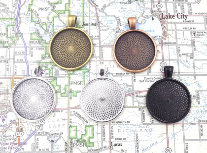 1 inch (25mm) Circle Pendant Tray 5 Different Colors to Choose From