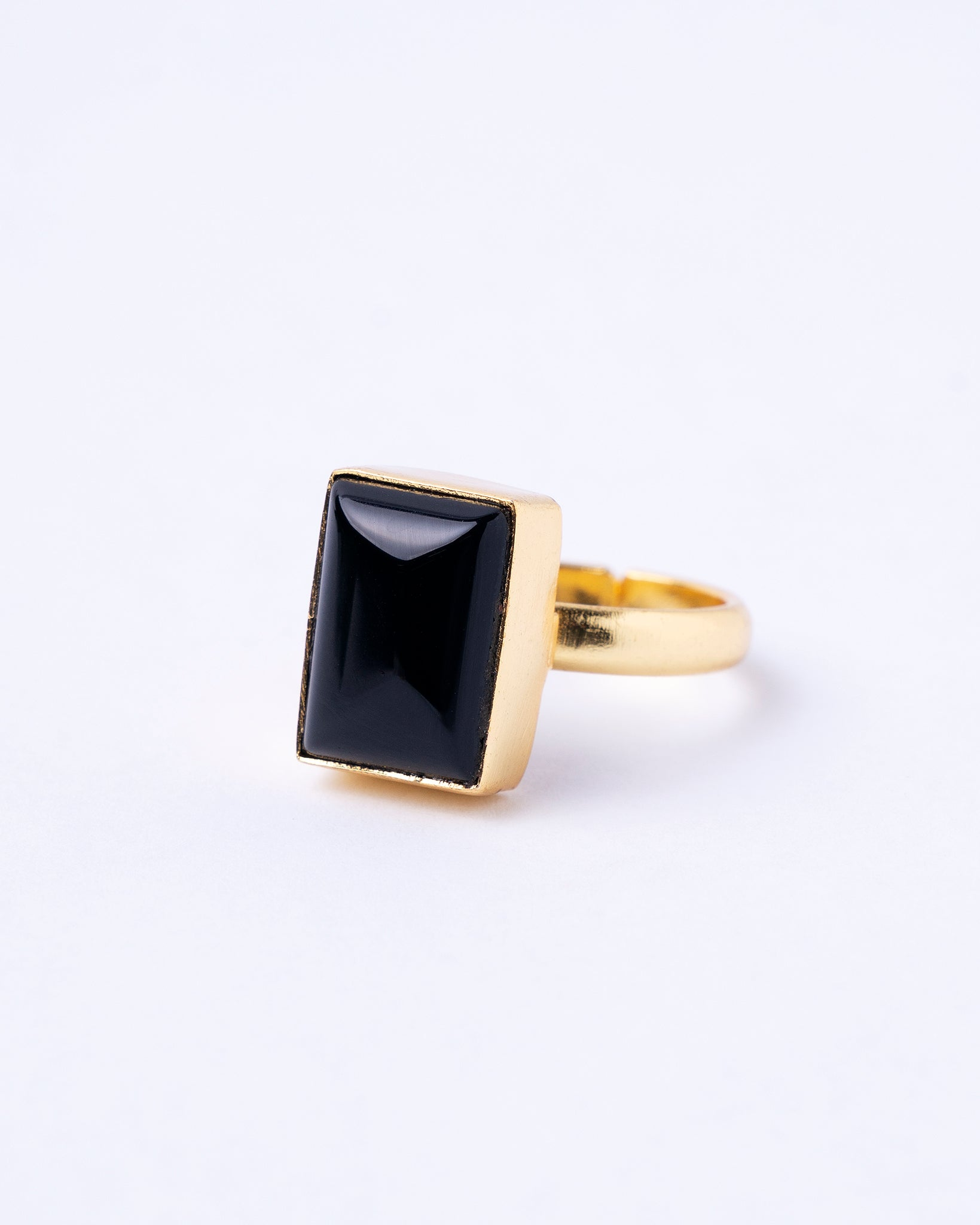 SQUARE CASTED STONE RING