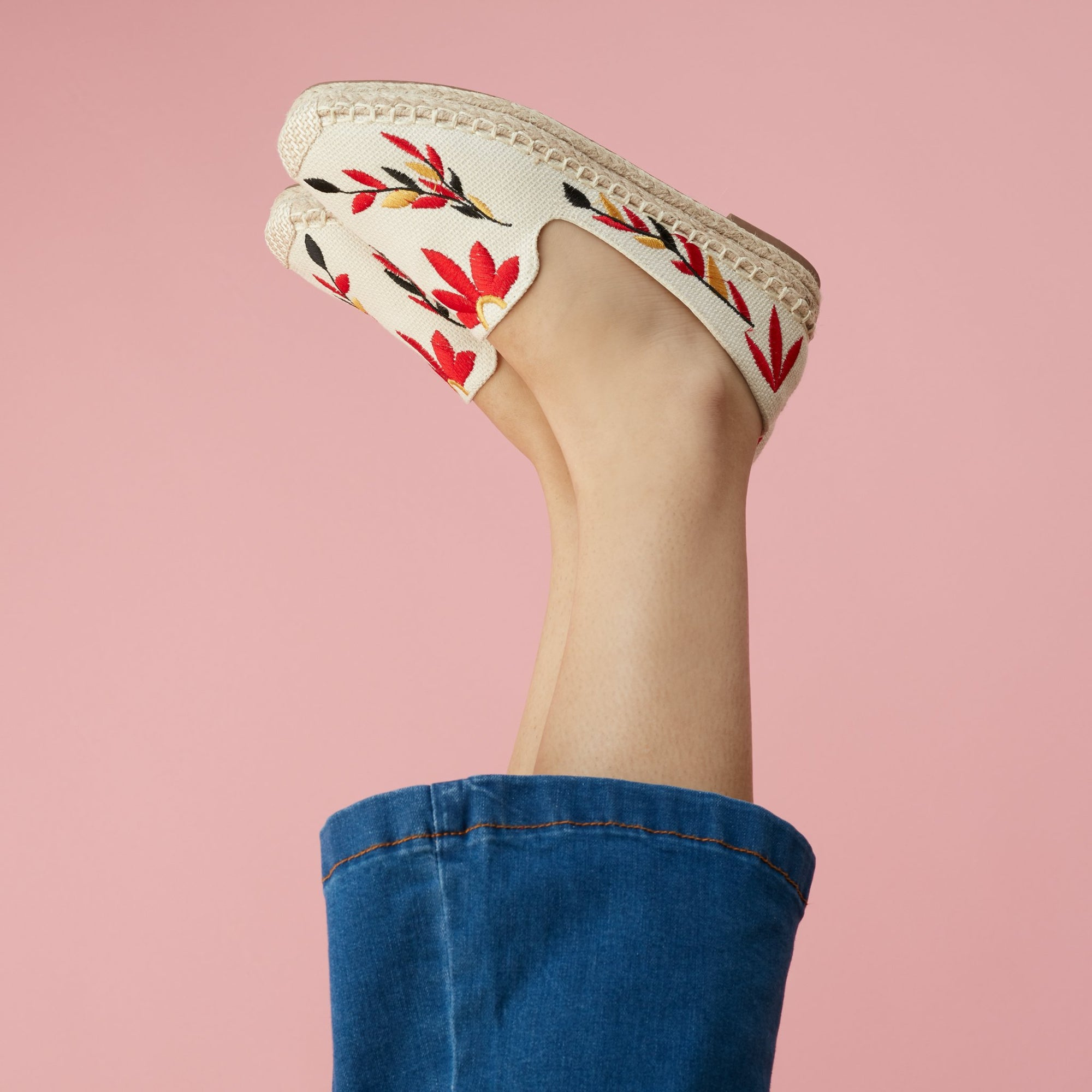 FLAT EMBROIDERED ESPADRILLE