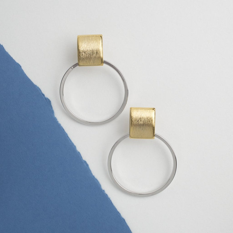 TEXTURE SQUARE & HOOP EARRINGS