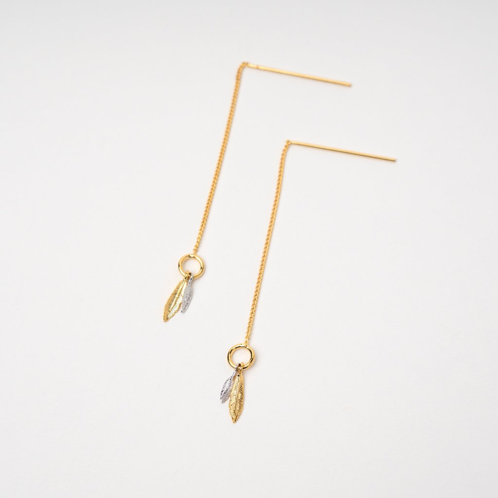 MIX FEATHERS THREADER EARRING
